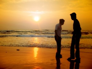beach-friends