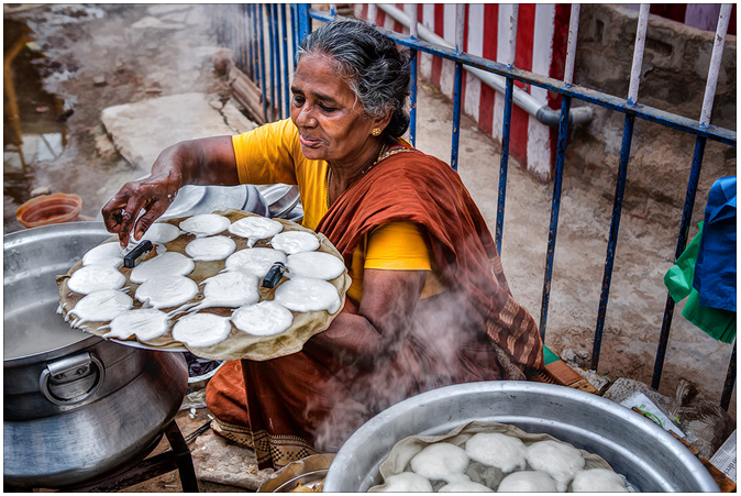 Idly_Road_Vendor_Paatti_Street_Eat_Tiffin_South_India_Tamil_Nadu_TN_Breakfast